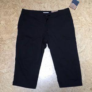 Magellan outdoors wiki NWT Capri pants black sz L
